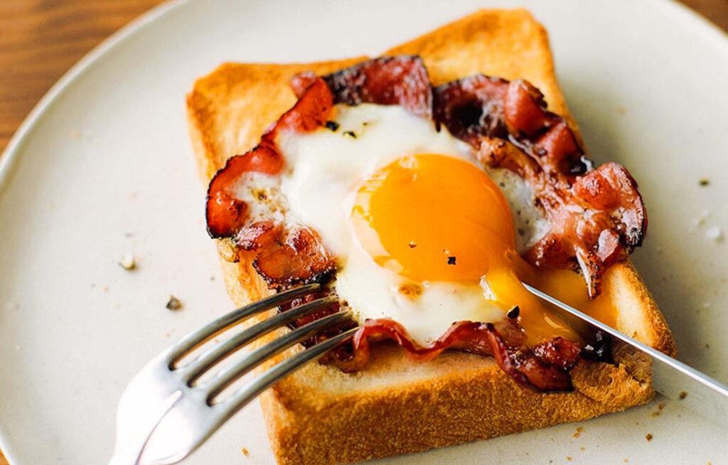 刑部勝義の優雅な朝食:ベーコンエッグトースト